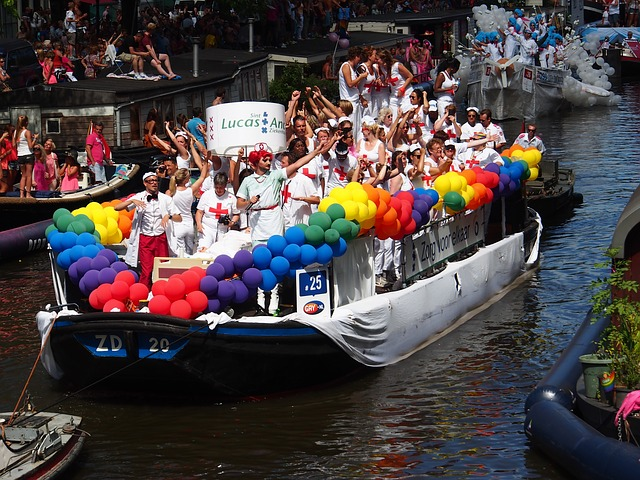 Guide to Buying Gay Traffic – LGBT Visitors